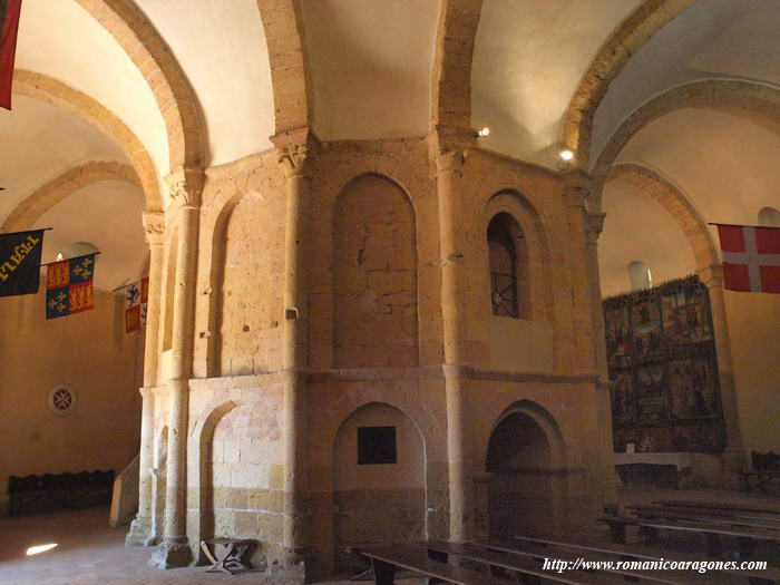 las iglesias de segovia essay Persiguiendo el trazo empedrado del callejón de san nicolás, se desemboca en  un apacible rincón en el que se encuentra la iglesia de la.